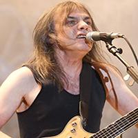 «Έφυγε» από τη ζωή ο Malcolm Young Ο συνιδρυτής και κιθαρίστας των AC/DC πέθανε σε ηλικία 64 ετών